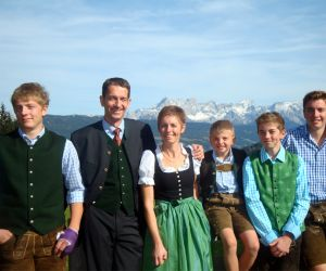 your hosts in the Haus Oberransburg - Familie Lackner